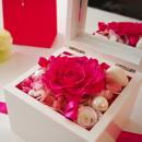 高級ホワイトオルゴールBOX お花イッパイ! プリザーブドフラワー≪ストロベリー≫