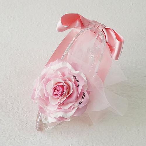 【メッセージローズ】シンデレラの靴 大輪プリザーブドフラワーアレンジ≪ピンク≫