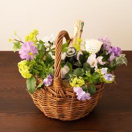 【花に記念日プリント】季節のアレンジメント(ビオラシーズナブル)+シャンパン(ブランド・ブラン)