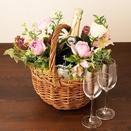 季節のアレンジメント(ピンク系)+シャンパン(ブランド・ブラン)+彫刻ペアグラス