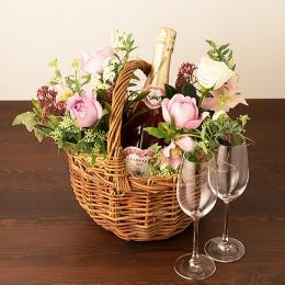 季節のアレンジメント(ピンク系)+シャンパン(ロゼ)+彫刻ペアグラス