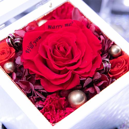 高級ホワイトオルゴールBOX お花イッパイ!プリザーブドフラワー≪レッド≫