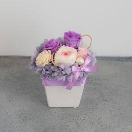 【花に記念日プリント】パステルプリザーブドフラワーアレンジ M ≪ヴァイオレット≫ 紫のバラ