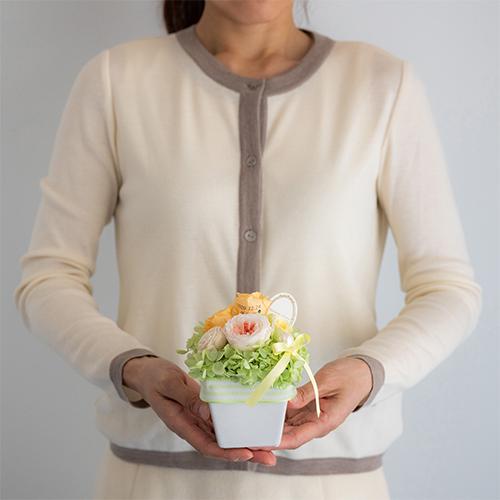 【花に記念日プリント】パステルプリザーブドフラワーアレンジM≪オレンジ≫