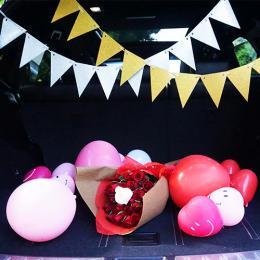 """【車でサプライズ】3回生まれ変わってもあなたを愛しますと誓う""""33本の花束""""+装飾セット"""