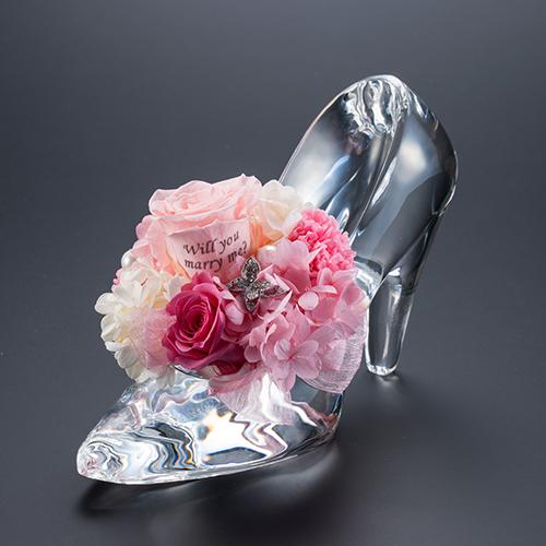 【ホテルでプロポーズ】花に名入れ シンデレラの靴クリスタルガラス≪Pピンク≫+フラッグ装飾セット