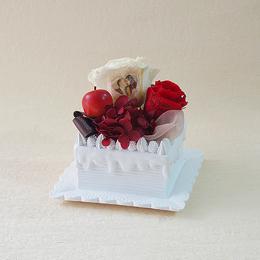 【メッセージローズ】赤りんごのホイップクリームスクエアケーキ&プリザーブドフラワー≪レッド≫