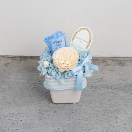 【花に記念日プリント】パステルプリザーブドフラワーアレンジS≪ブルー≫