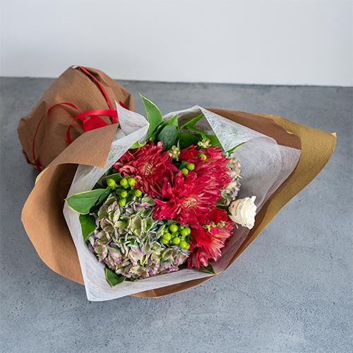 【花に記念日プリント】季節のブーケ ドラマティックレッド Lサイズ